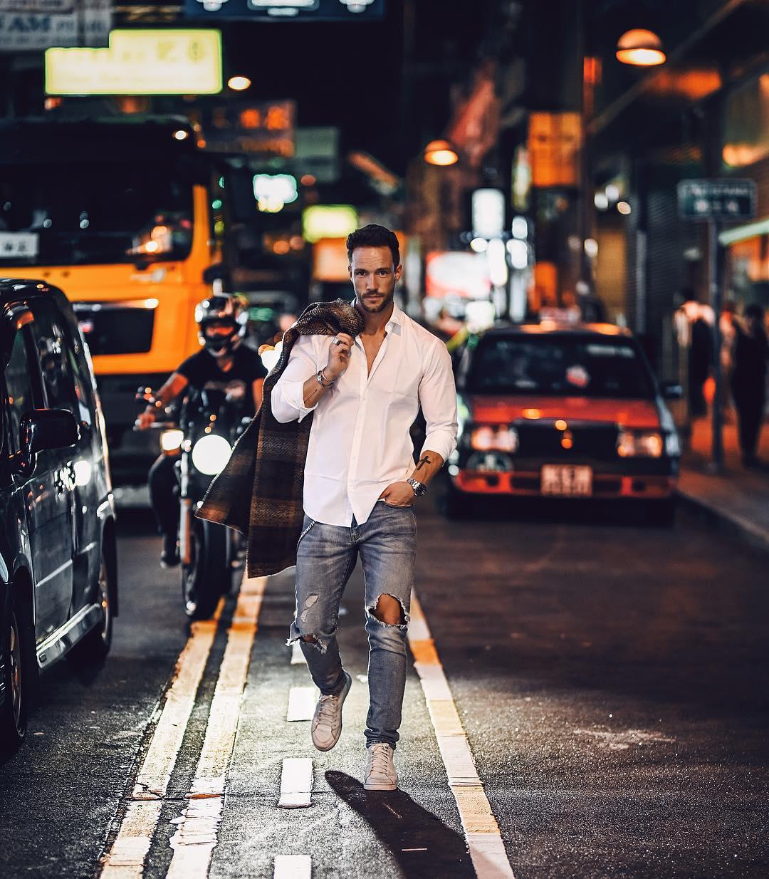 7 cách phối áo sơ mi trắng cho nam giới đầy yêu thích