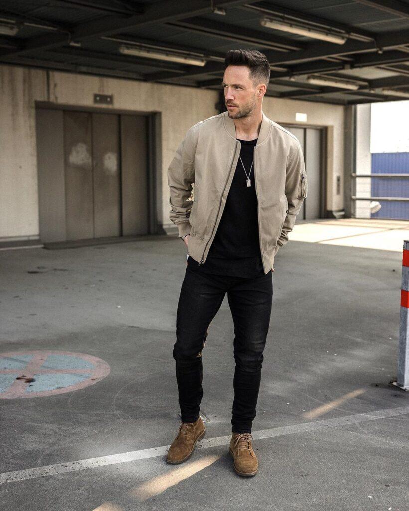 6 cách phối jacket siêu ngầu với set đồ all black độc đáo