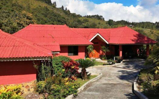 Altos del Maria Montalcino Villa mountain house for sale region panama realty 1