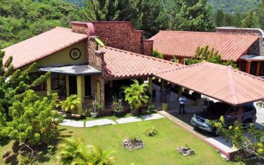 Altos del Maria Villa Granada region panama real estate panama mountain house for sale 17