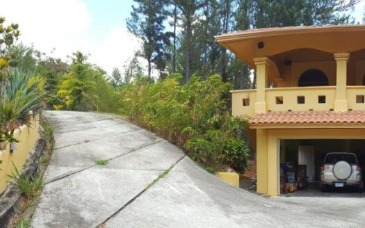 Altos del Maria Villa Alicante Region Panama Realty Panama mountain home for sale 1