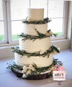 Custom wedding cakes, birthday, engagement, baby shower and more! Baker located in Huntington Beach, Orange County, California.