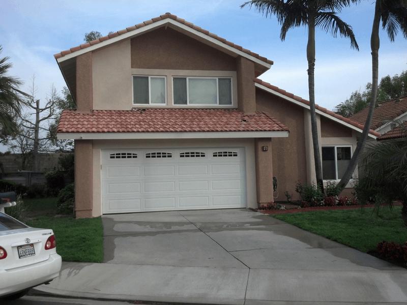 Exterior Color Compliments Roof Color