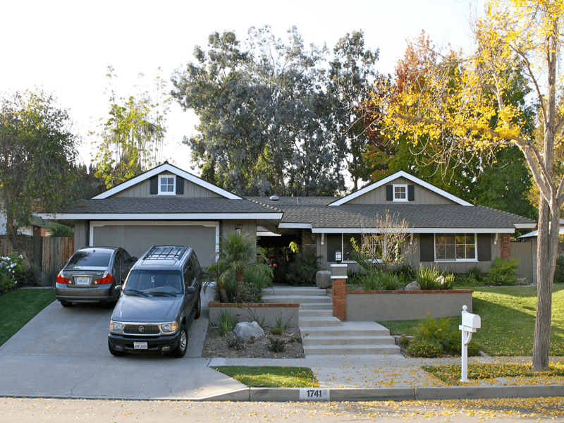 Sprawling Ranch with Gray Palette