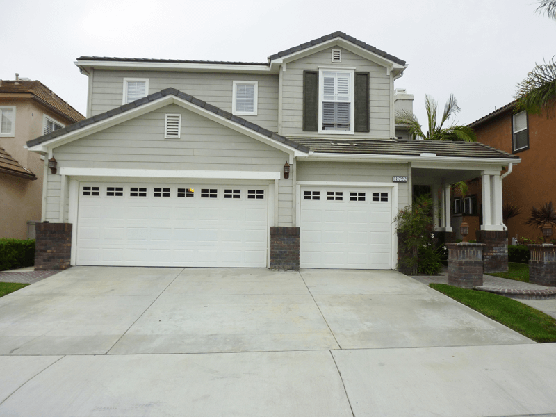 Accents Compliment Roof Color & Garage Accents