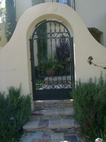 Wrought Iron Pedestrian Gates5