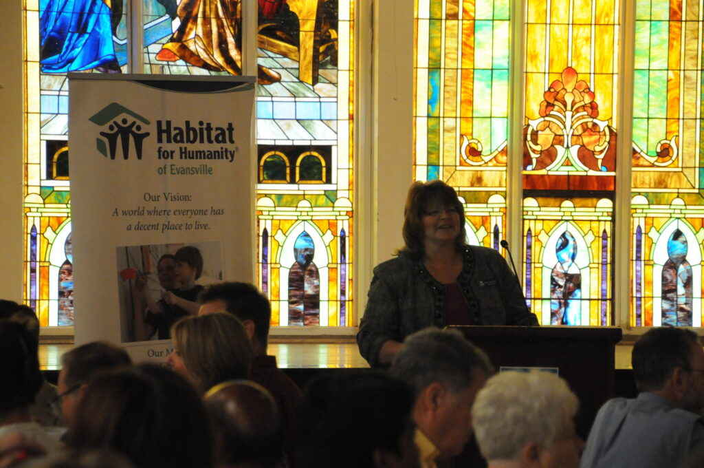 Habitat Executive Director Beth Folz thanked everyone for attending and supporting Habitat.
