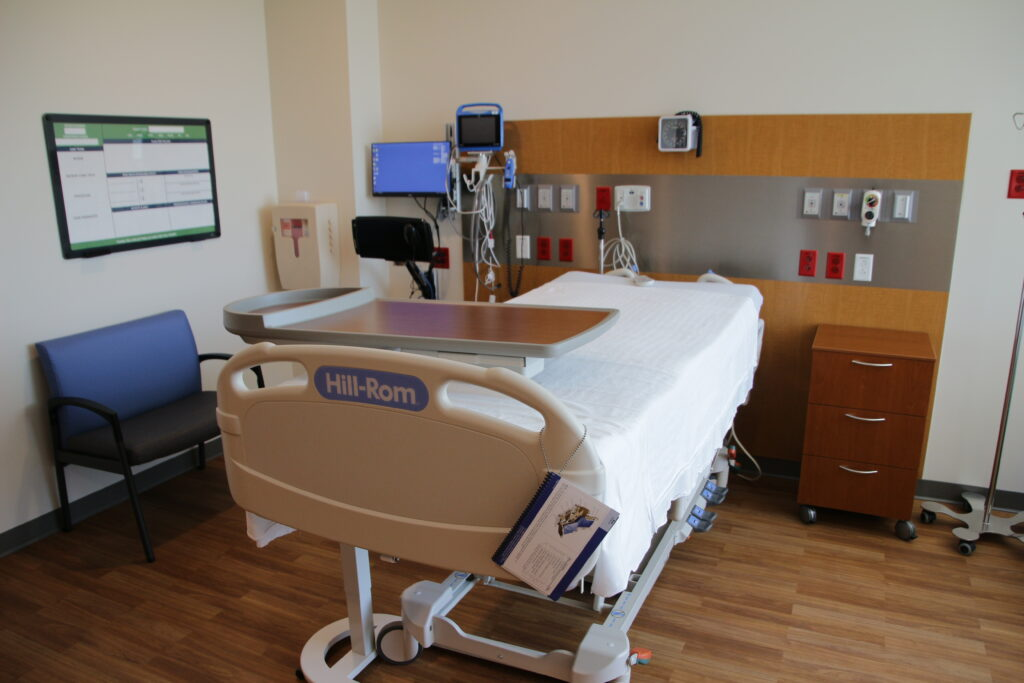 In-patient rooms on the third floor are fully equipped, and each is close to one of the multiple nurses stations on the floor.