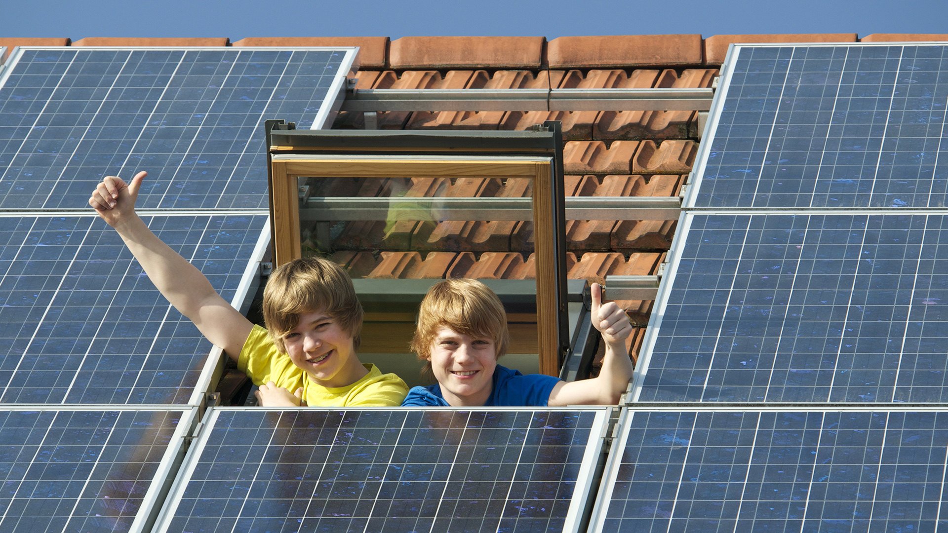 Homeowners' Associations and Solar Installations in the Commonwealth of Virginia - Kids in a solar roof