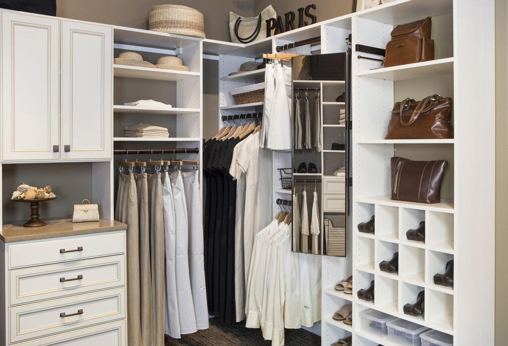 Vermont Closets & Storage solutions - Walk in