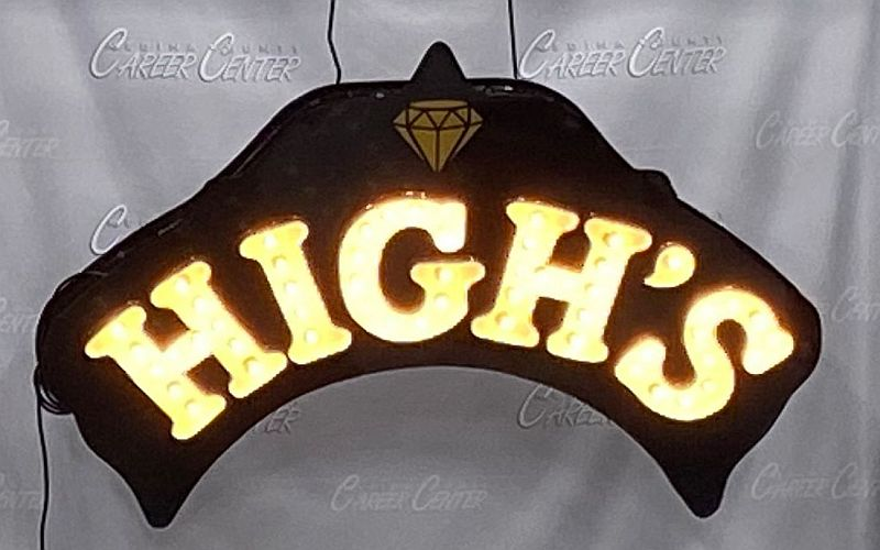 Students Restore High's Sign