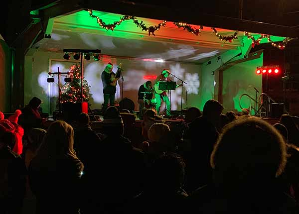 madiison ct christmas tree lighting music on the green