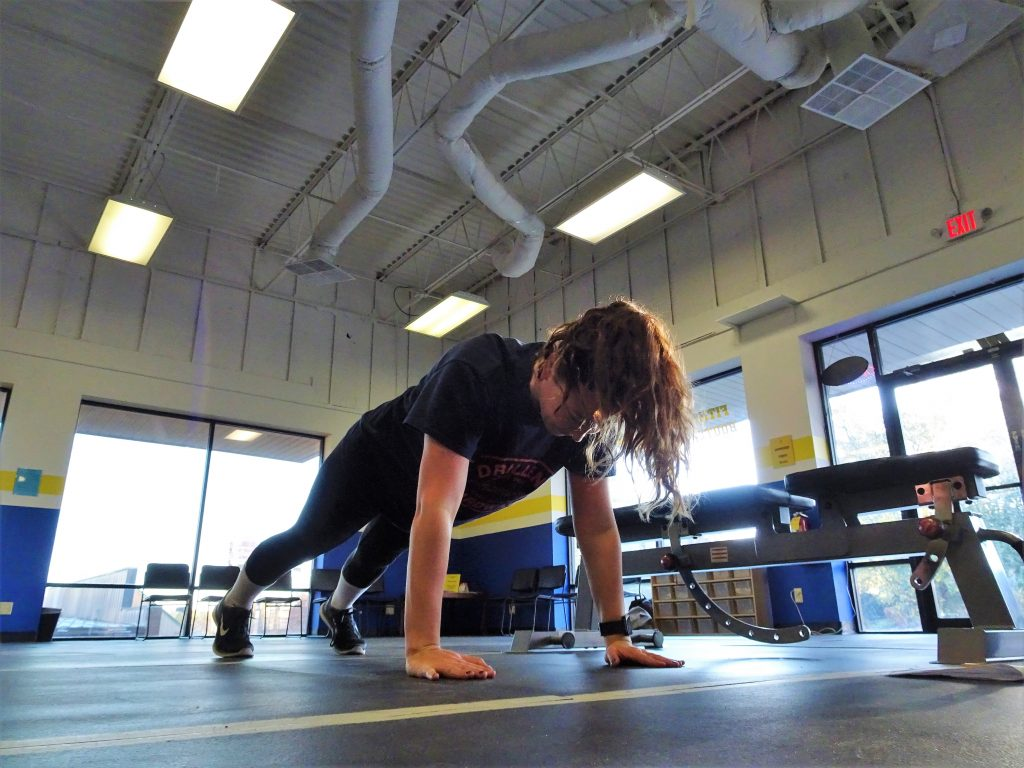 fsp personal training client doing pushups