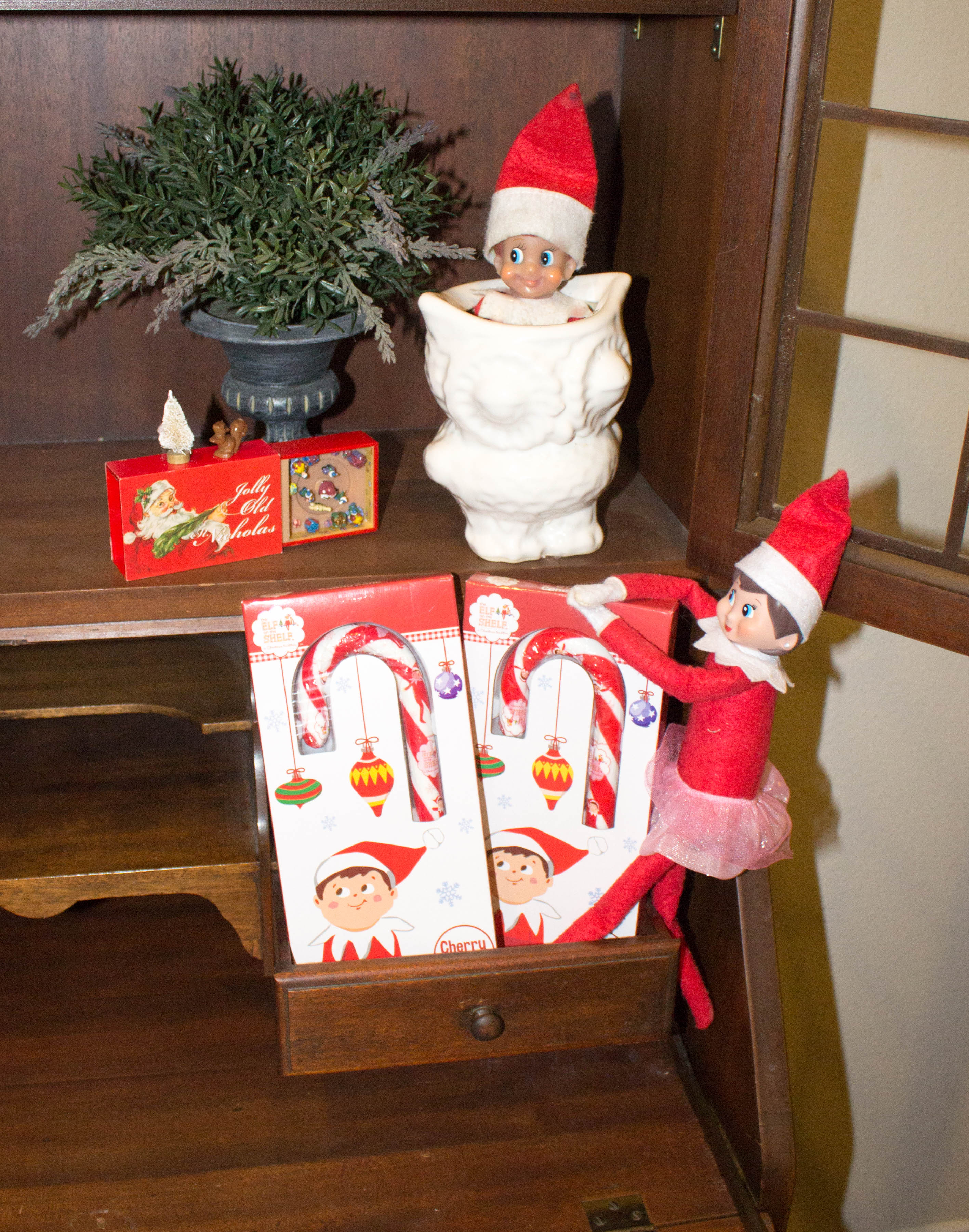 elf-on-the-shelf-ideas-and-elf-on-shelf-products-scenes-christmas-traditions-10