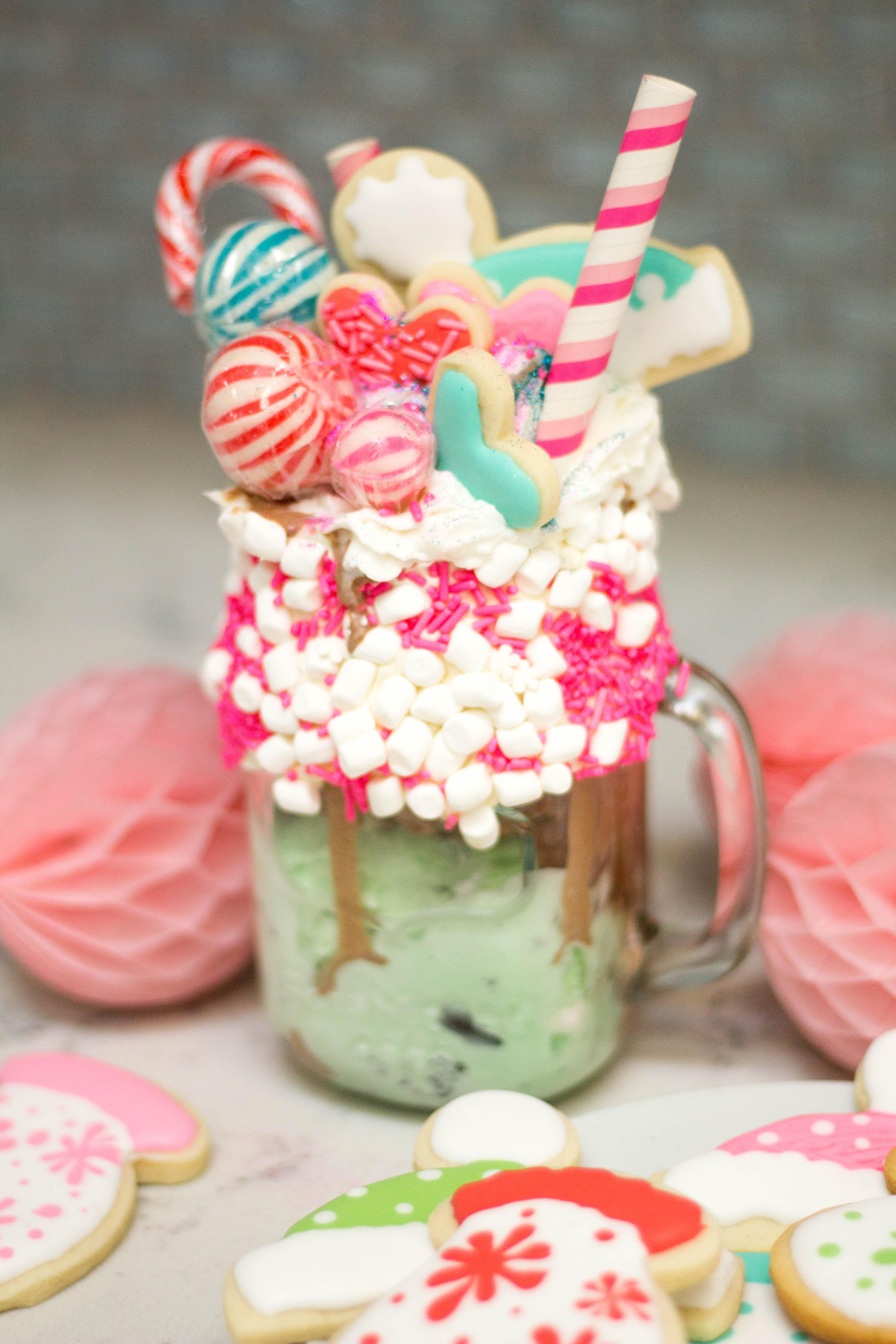 winter-baking-ice-cream-freak-shake-creative-desserts-overload-30