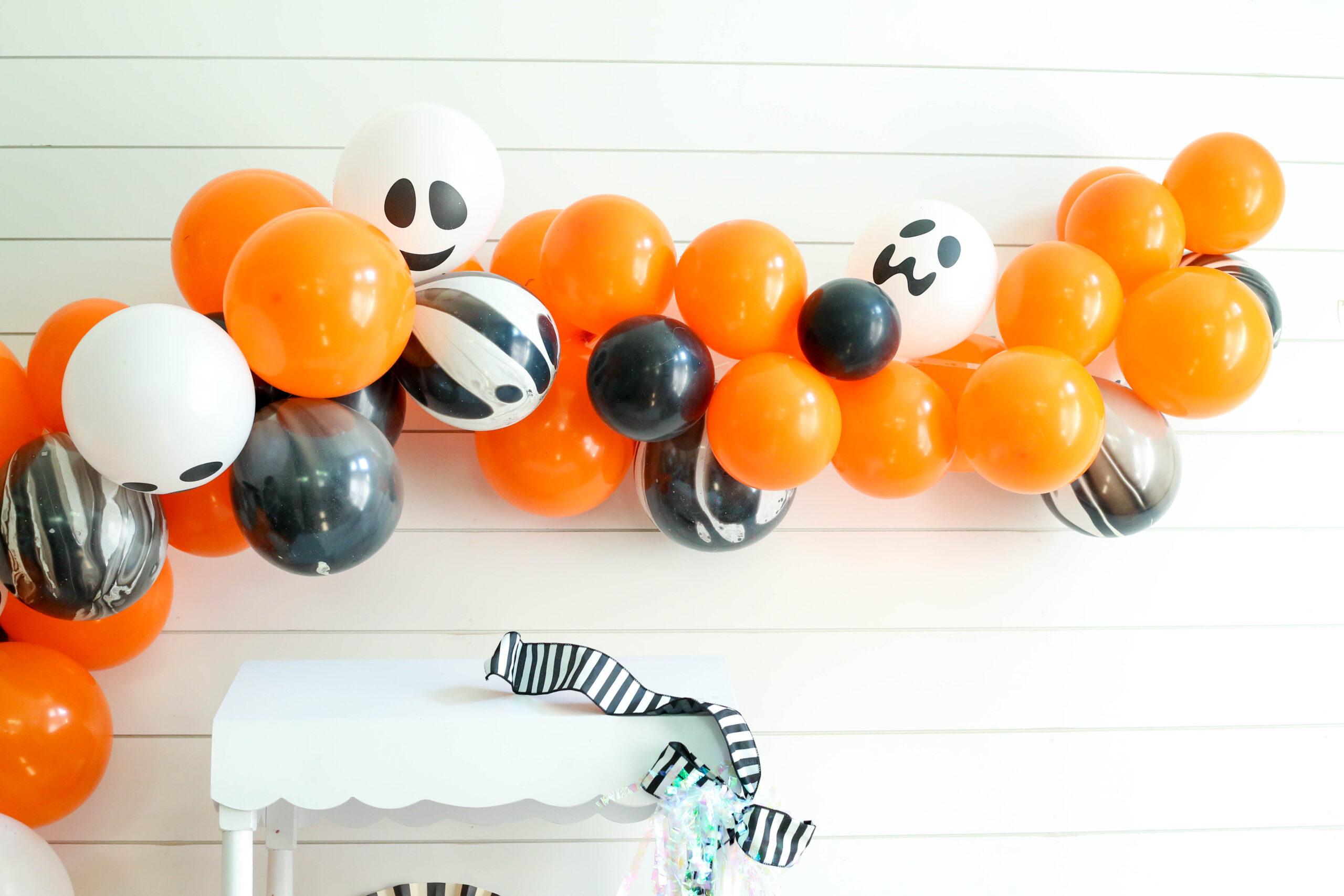 halloween balloon garland