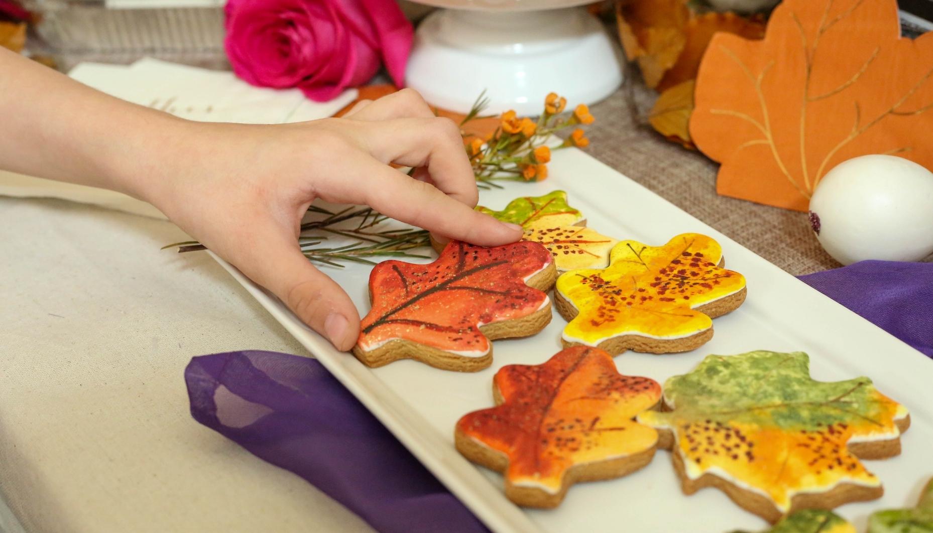 fall sugar cookies leaf cookies