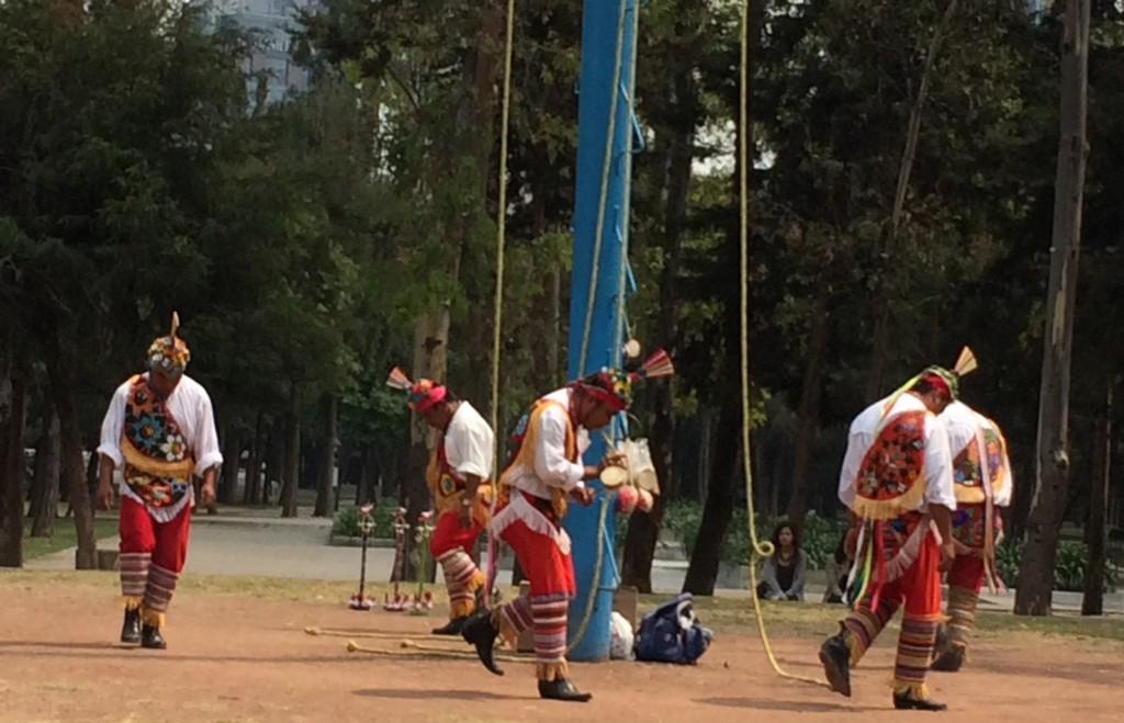 Toltec dancers ground