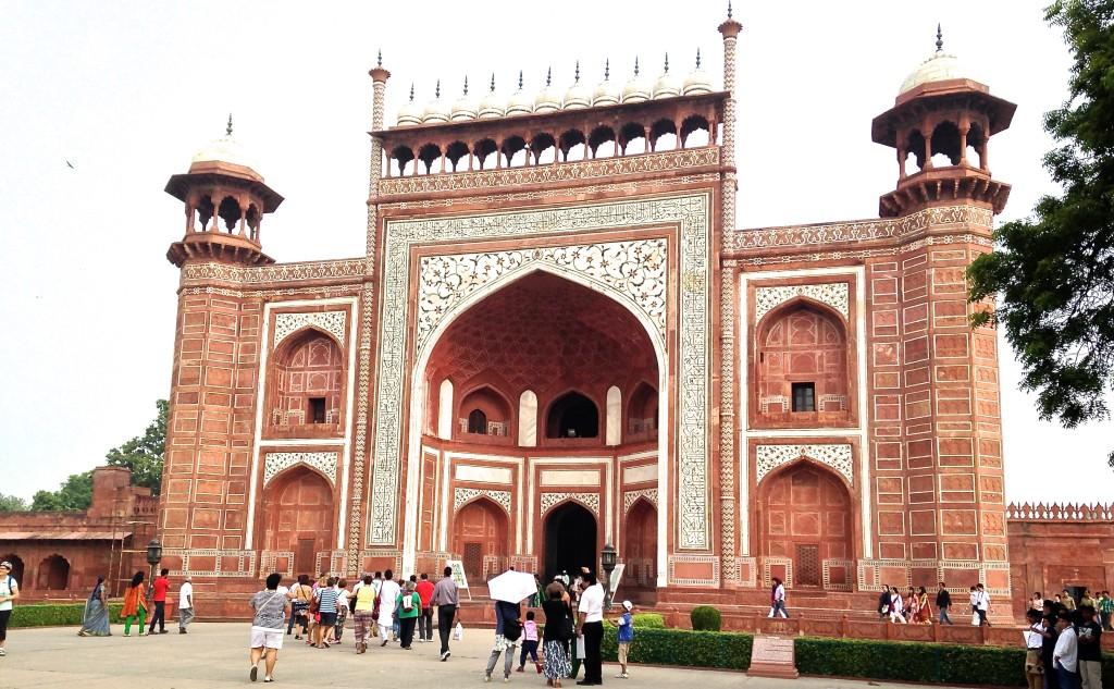 Outer gates of Taj