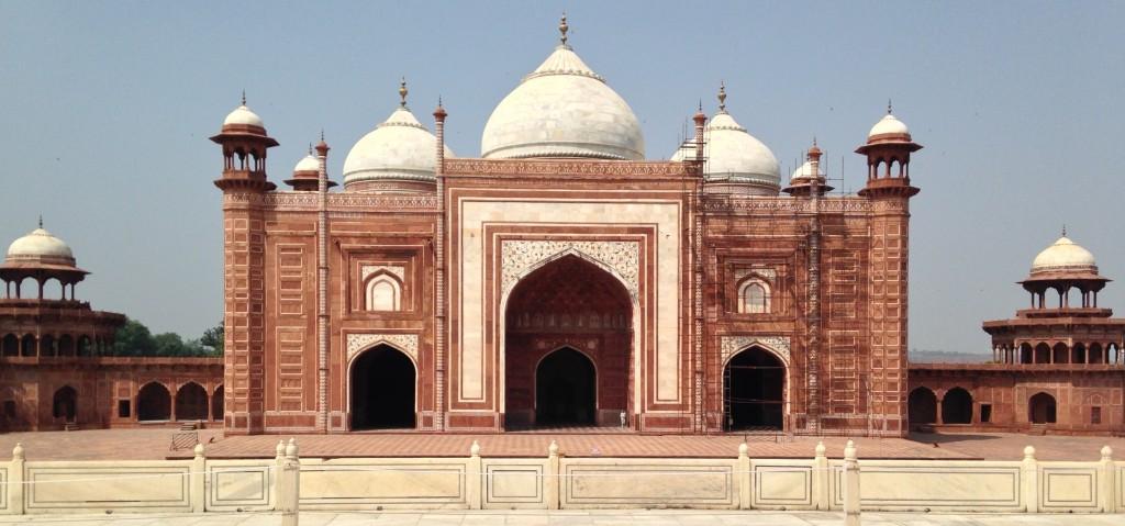 buildings beside the Taj