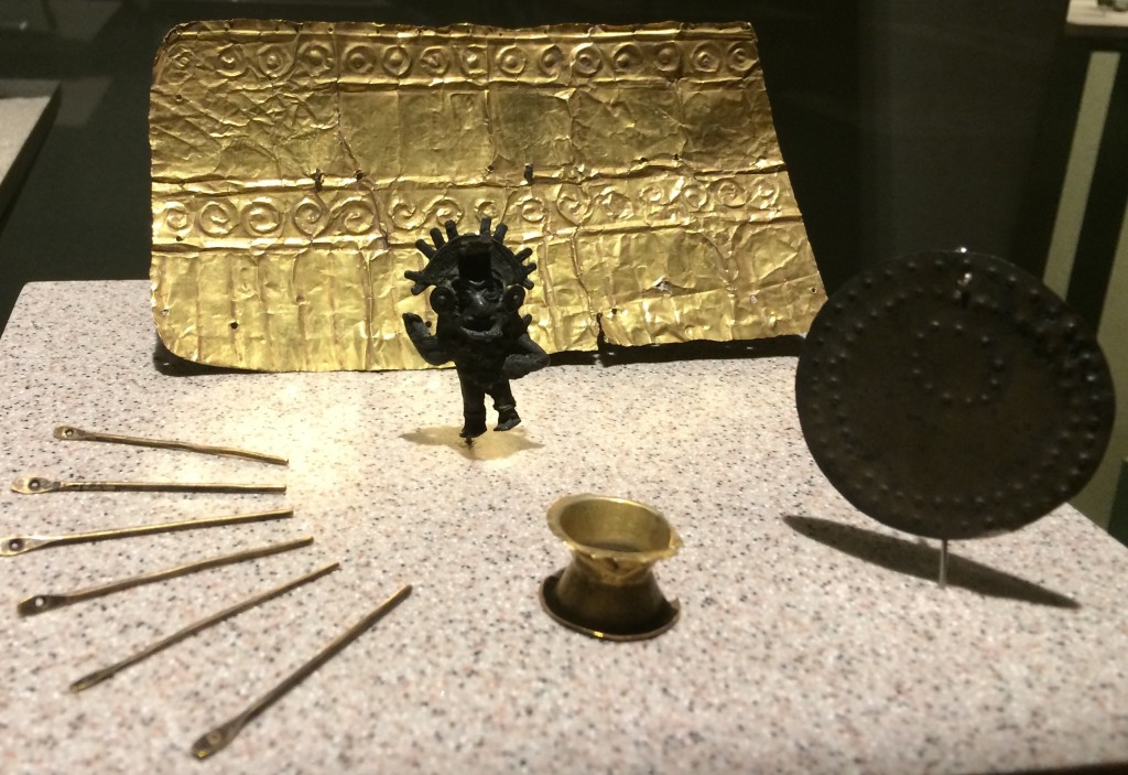 Gold page - Archeology Museum