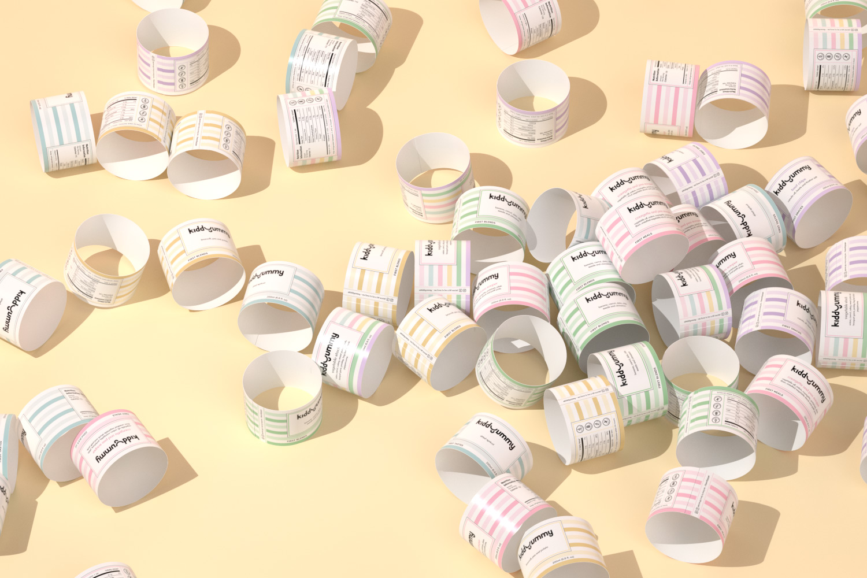 Kiddyummy label lay random in a pink bakground
