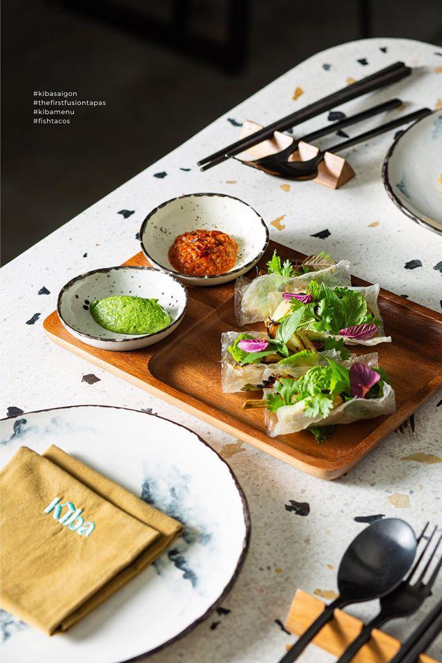 Fresh spring rolls with cutlery set at Kiba Saigon