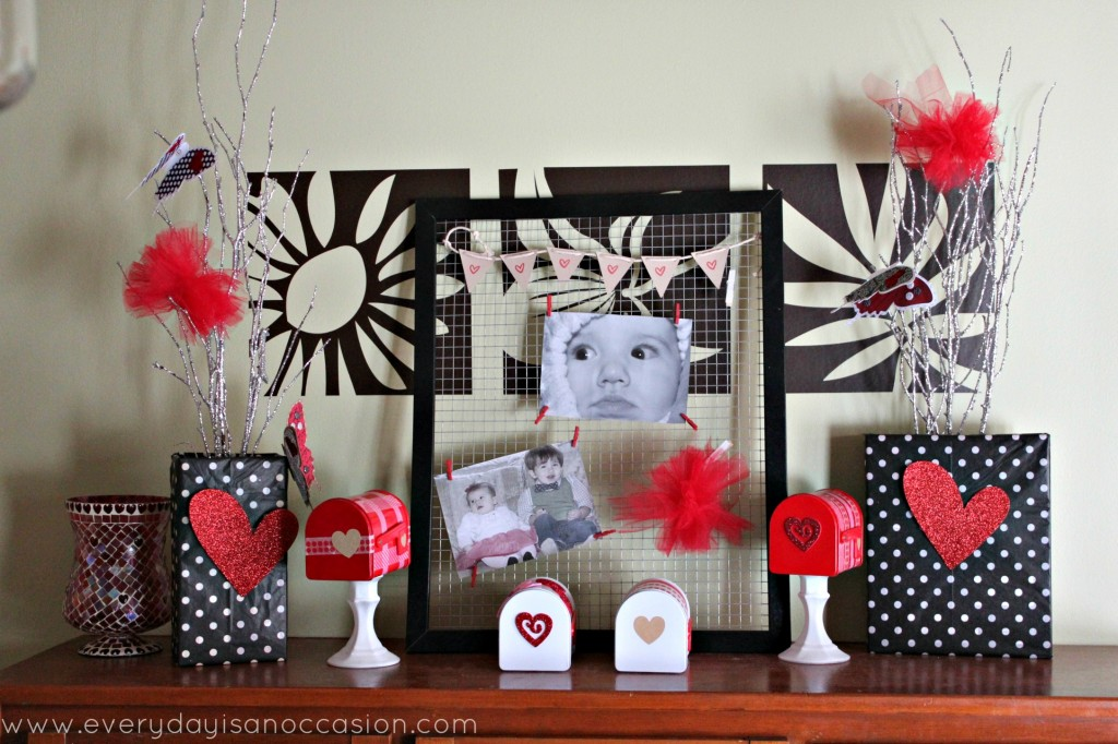 Breakfast Nook Valentine decor by Every Day is an Occasion