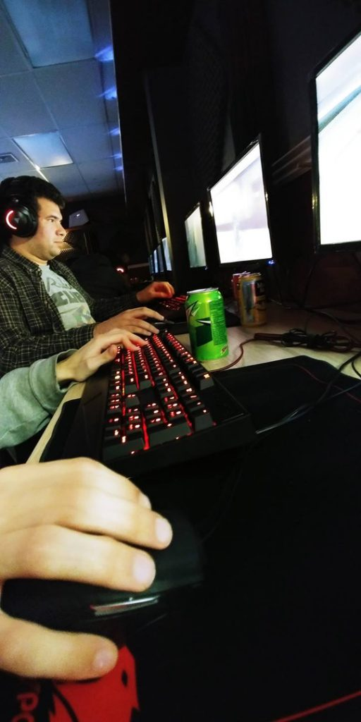 Gaming Community, video games, cyber cafe, competitive gaming, esports