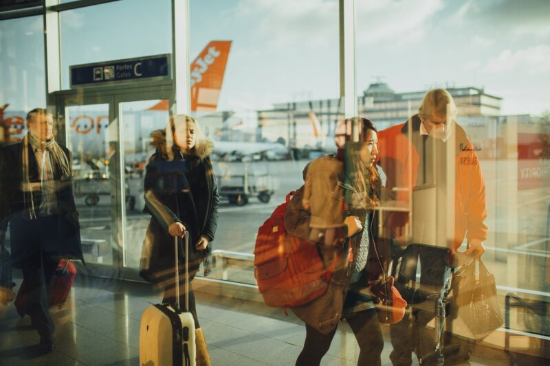 5 Ways to Save Money on Holiday Travel