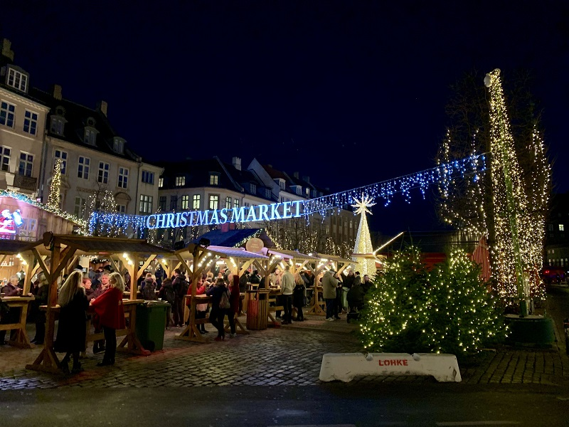 Things To Do In Copenhagen In Winter Hojbro Plads Christmas Market