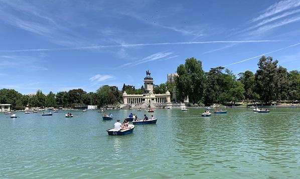 Buen Retiro Park. El Retiro Park Madrid