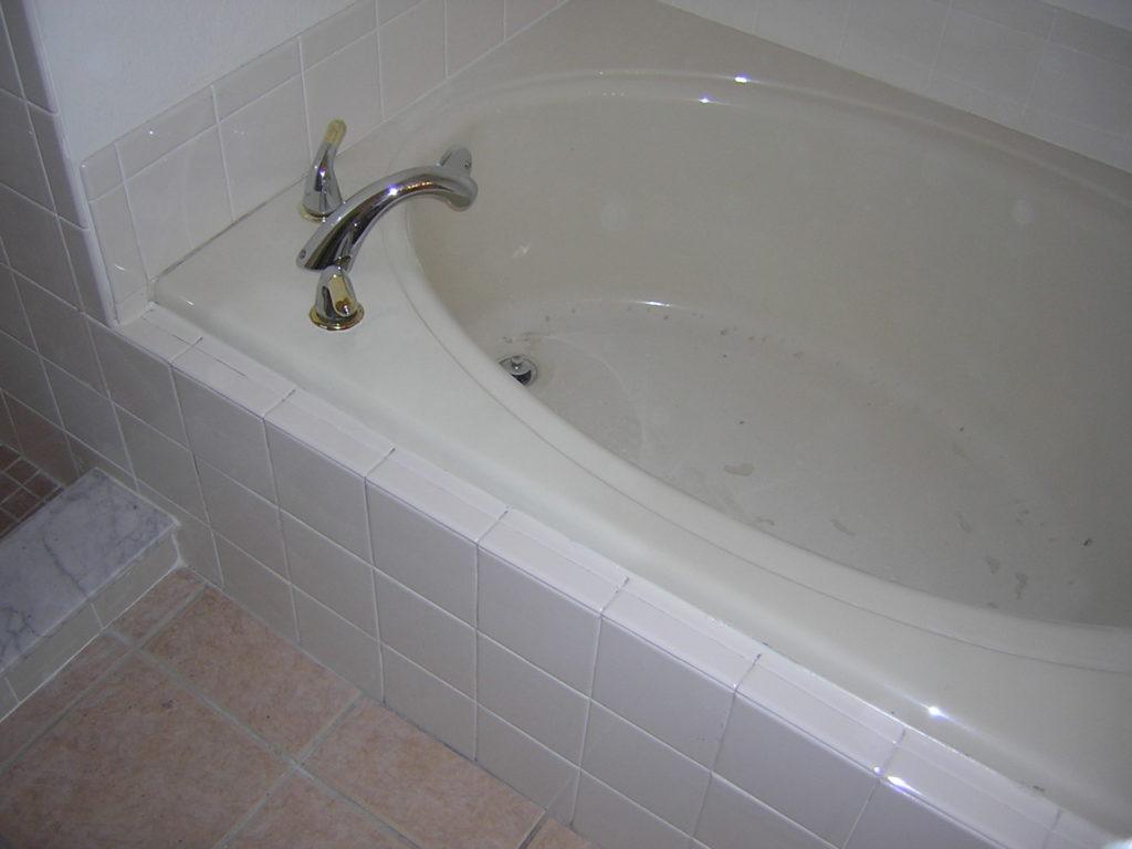 Like-new tub AFTER resurfacing