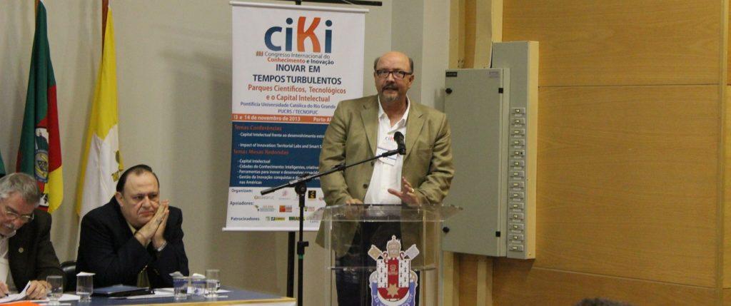 João Rego em palestra no III CIKI Porto Alegre