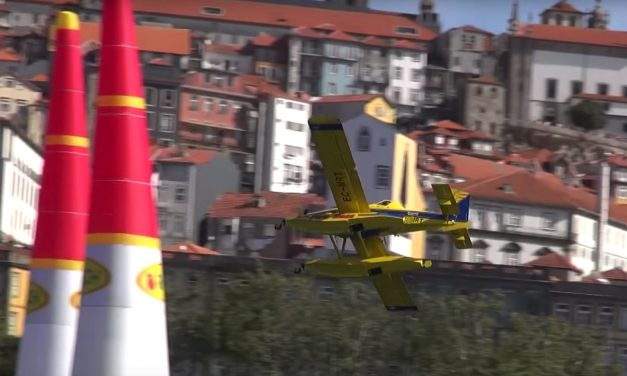 Red Bull Air Race newest star: the Air Tractor AT-802 Fire Boss