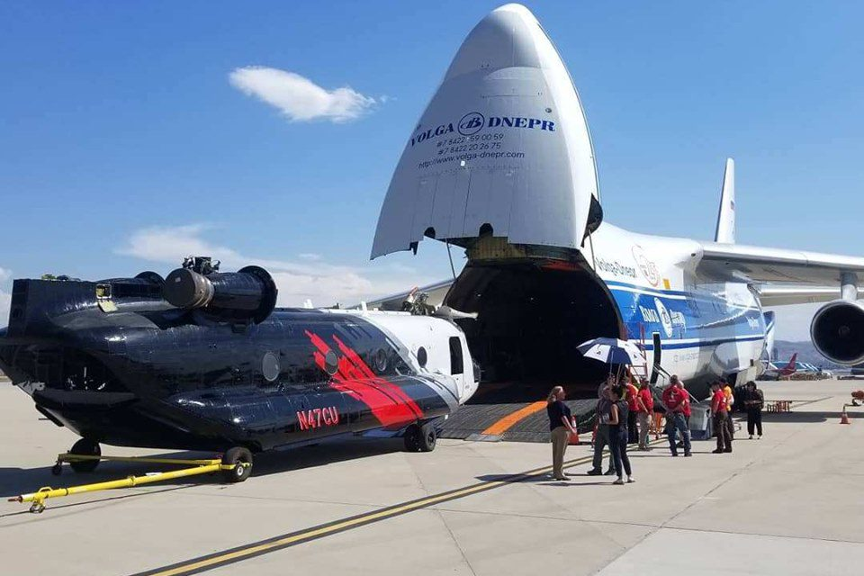Coulson Deploys CH-47D and S-61T's in South America to Fight Bolivian Fires