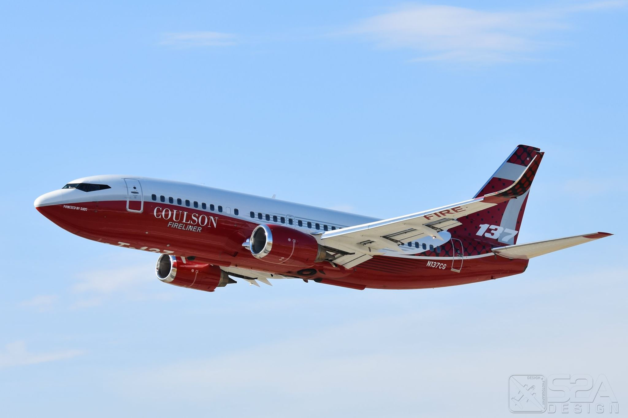 Coulson's Tanker 137, the B737 Fireliner. Photo by Jeremy Ulloa/S2A Design