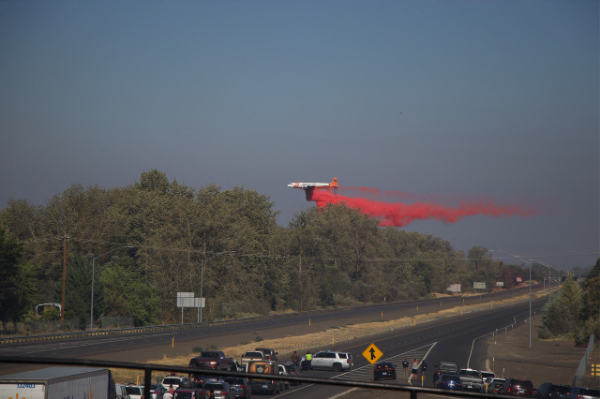 Erickson Aero Tanker Spotted Dropping in Southern Oregon