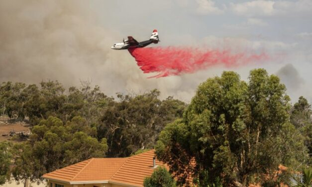 Aerial tankers 'absolutely critical' to stopping inferno at Perth's gates