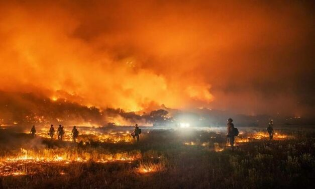 Climate change complicates Colorado's need for wildfire aircraft
