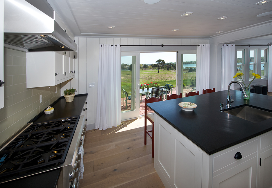 Oyster_Pond_32 i Kitchen_72dpi