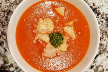 Tomato red bell pepper soup