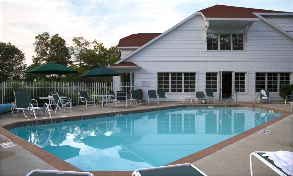 High Point Inn - Heated Outdoor Pool