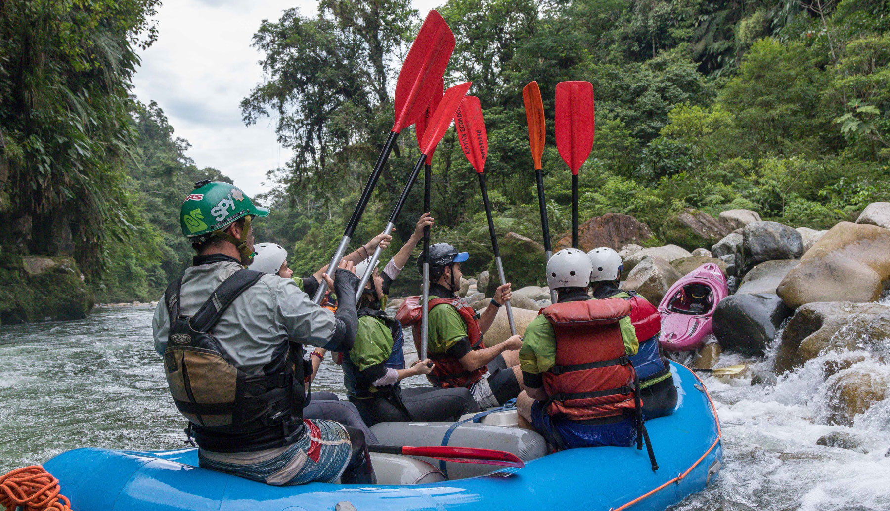 Celebration after running one of many rapids on the Jondachi river. Rafting Class IV Jondachi | Hollin rivers