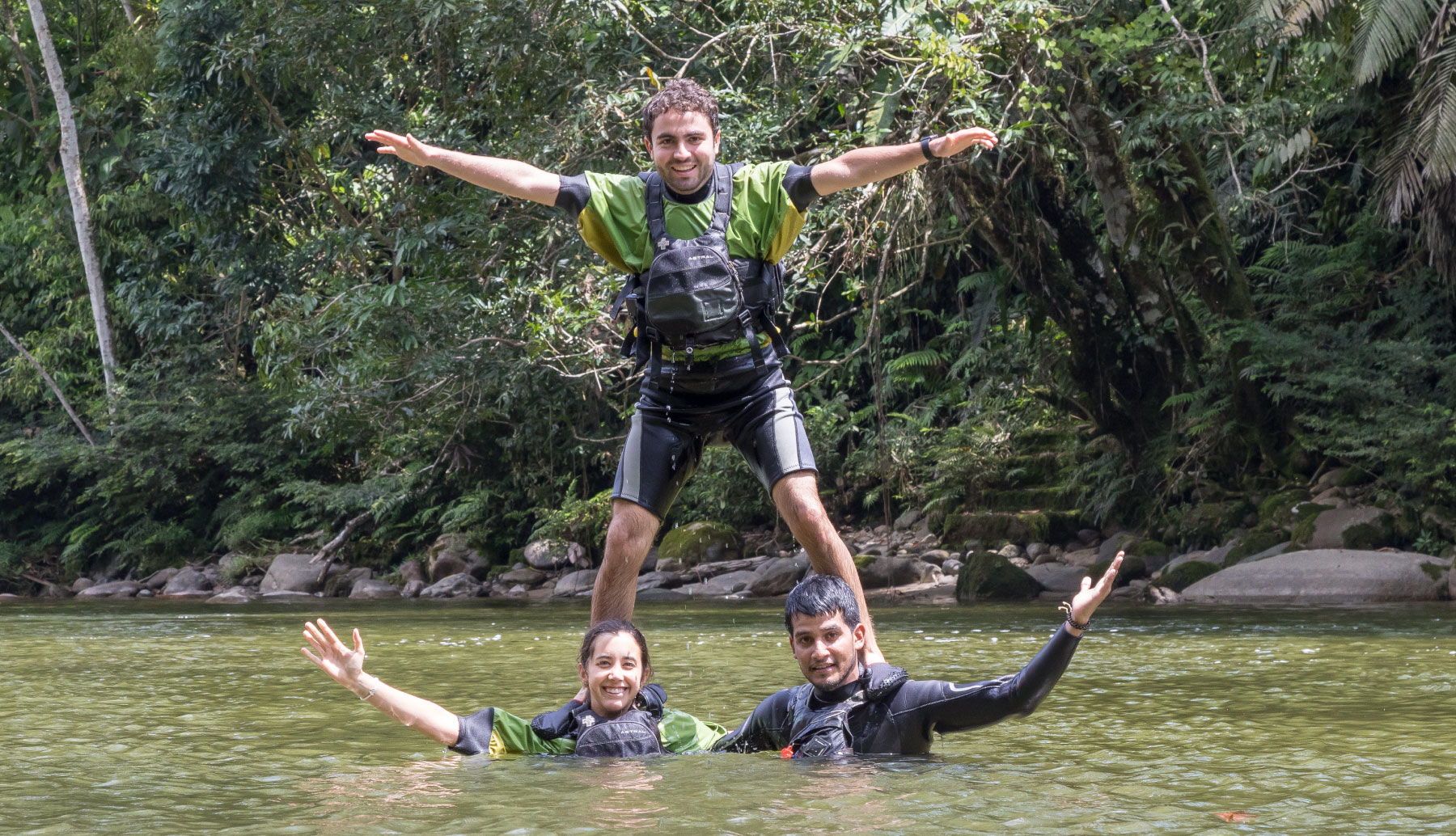 People playing in the Jatunyacu river
