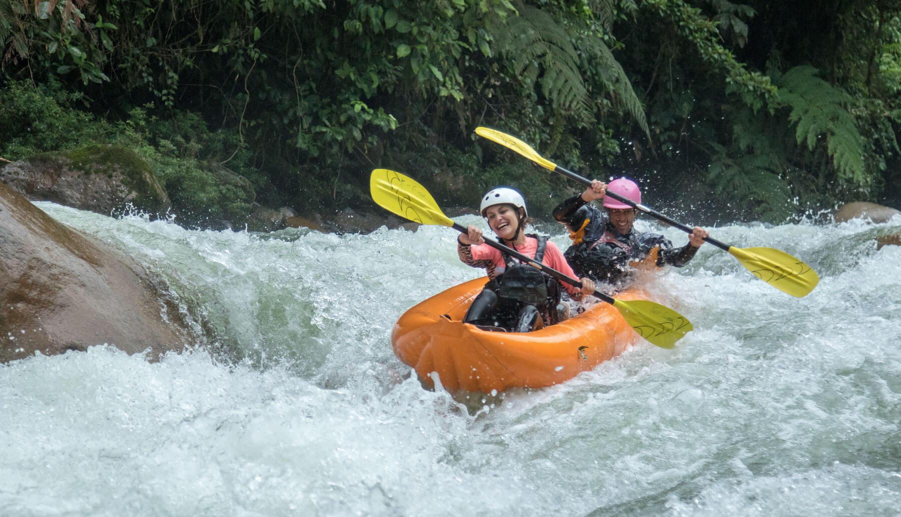 Inflatable Kayaks / Duckie descending Jondachi river