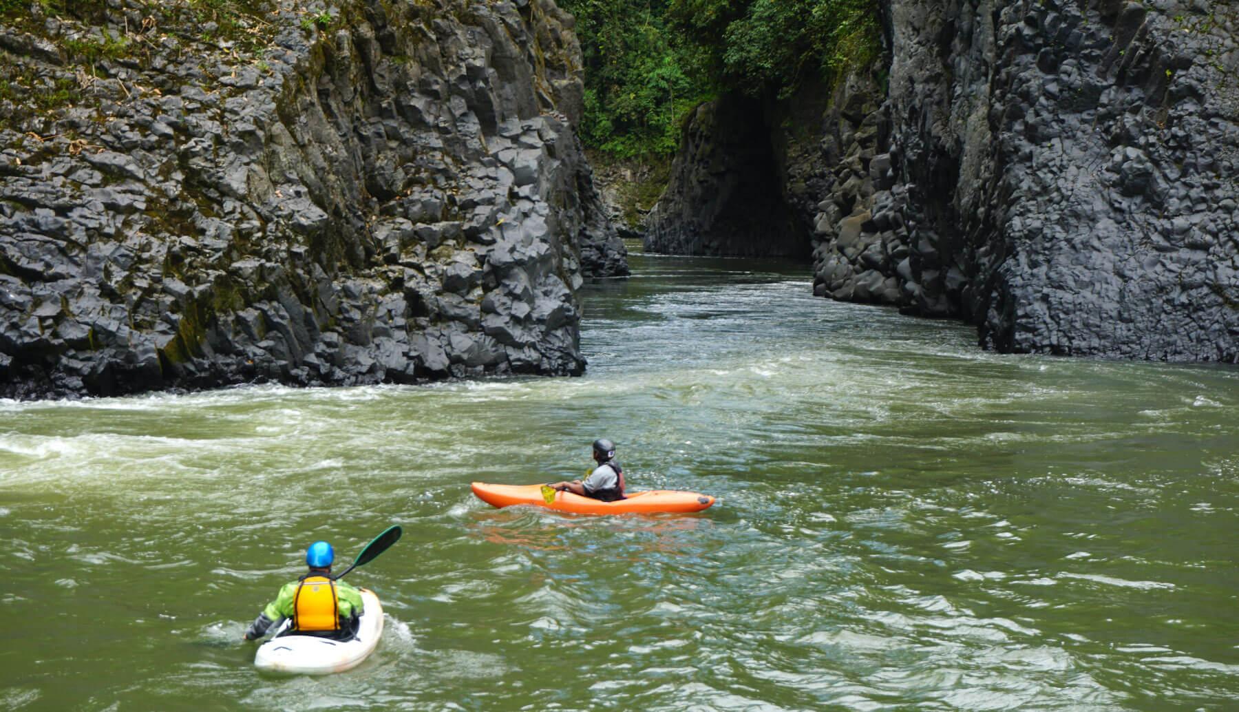Quijos river kayak   Quijos canon Ecuador