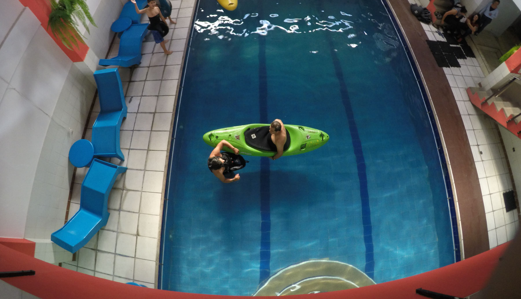 Kayak School lesson in a pool