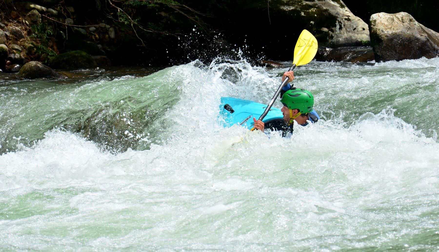 Whitewater kayak ecuador   Kayak guided tour South america