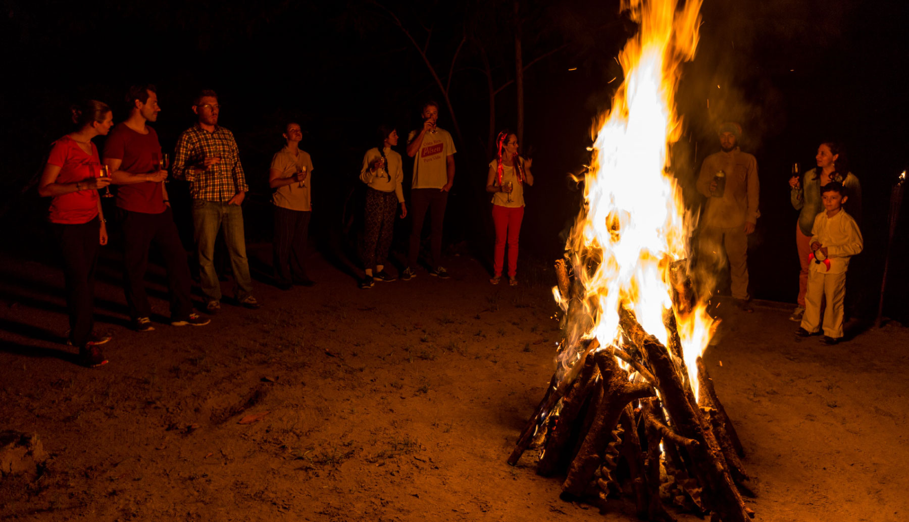 Fire in the night in Anaconda Lodge with visitors